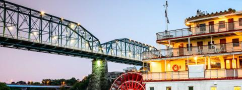 Riverboat and bridge in Chattanooga, TN